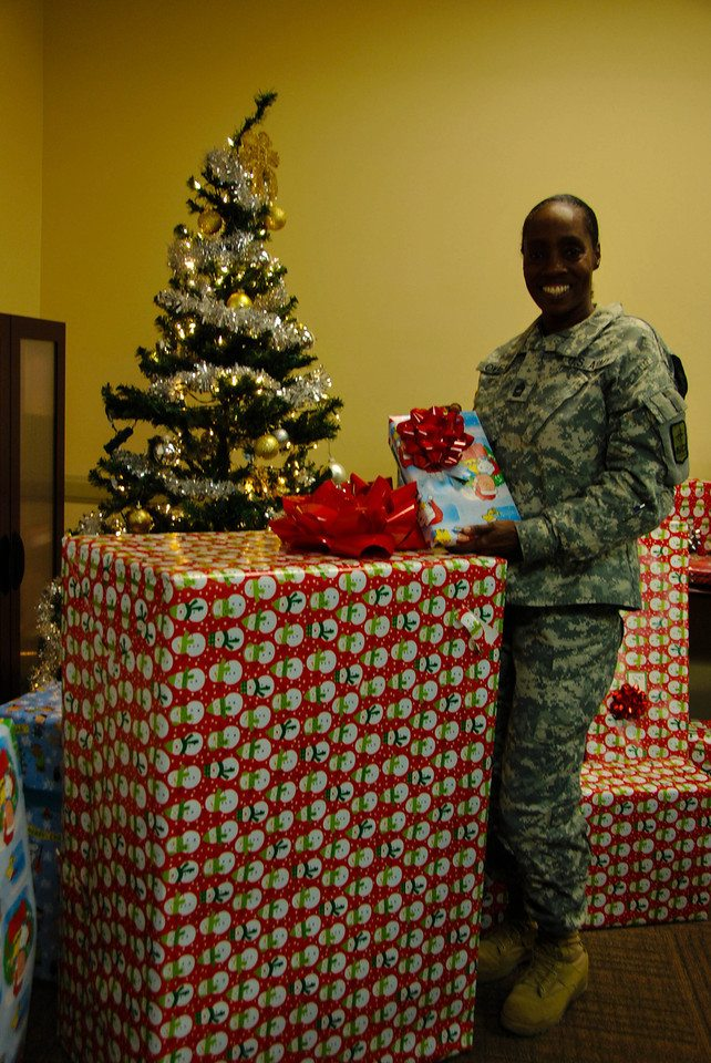 A solder with Presents for Patriots