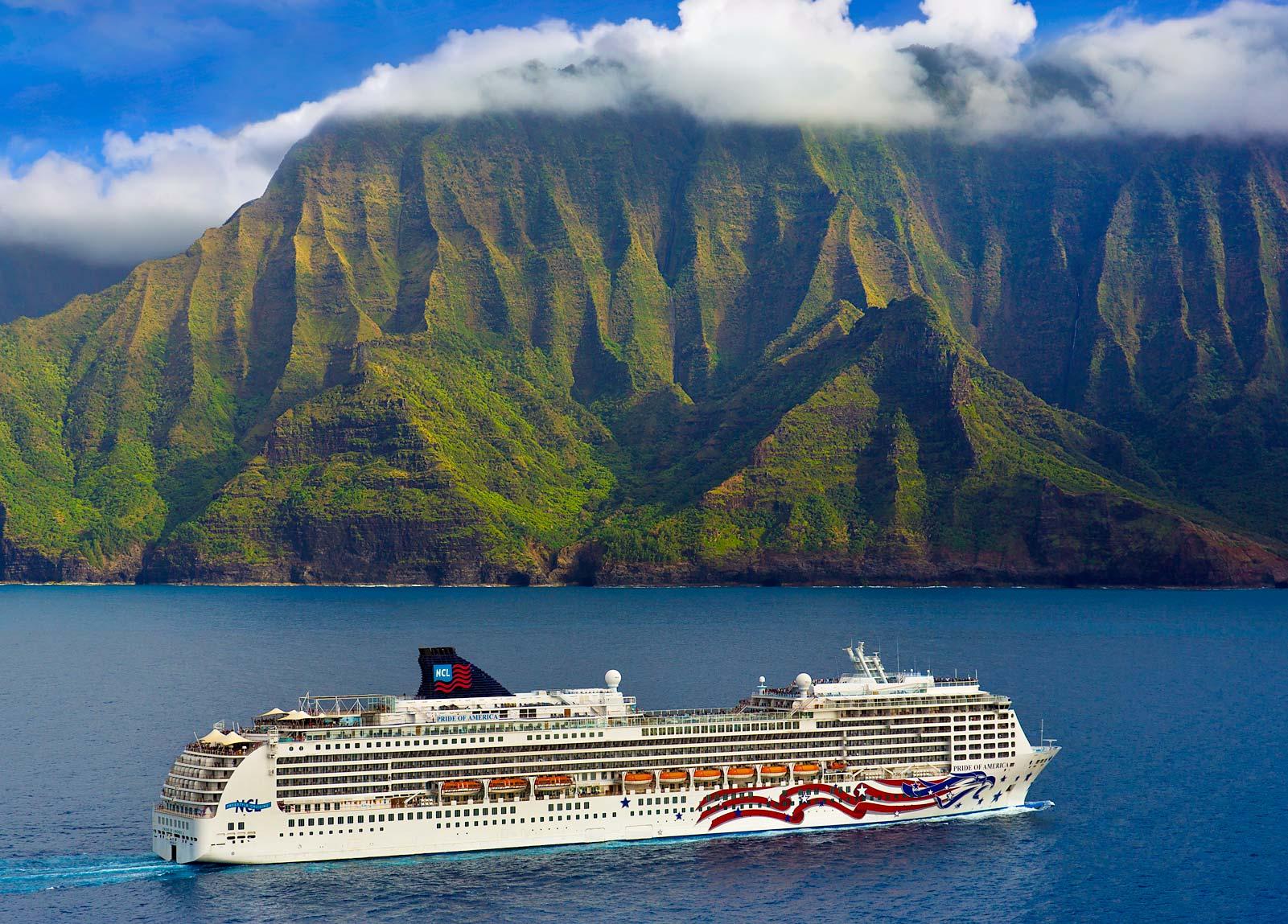The Freedom Cruise sailed the Hawaiian Islands in 2006
